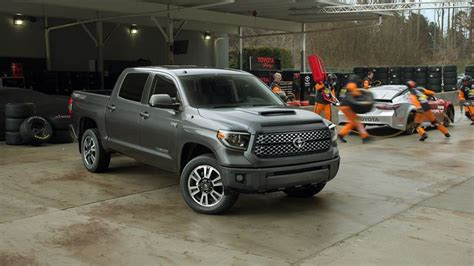 all the facts and details about new 2018 toyota tundra