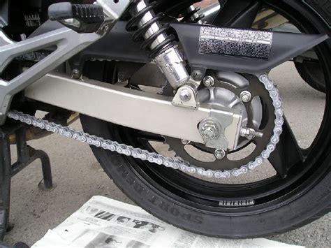 cadena de moto muy tensa herramientas y consejos para ajustar la cadena de la moto