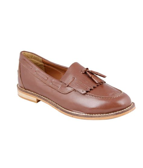 brown leather loafers womens kainalli brown faux leather loafers price in india buy kainalli brown faux leather