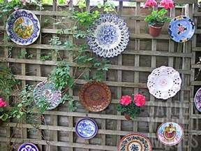 Upcycled Yard Decor 25 Ideas For Decorating Your Garden Fence