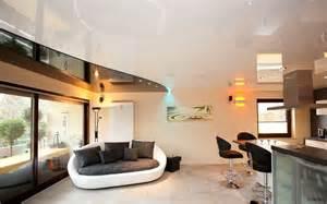 decke wohnzimmer wohnzimmer decken beispiel wohnzimmer leuchte muster glas