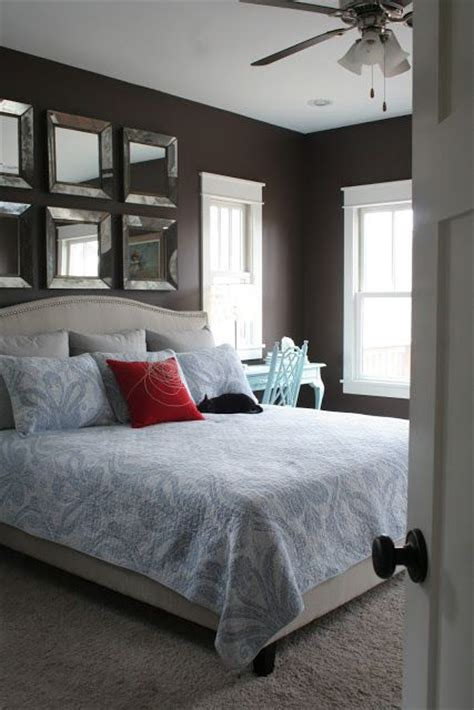 mirror above headboard 25 best ideas about above headboard decor on pinterest