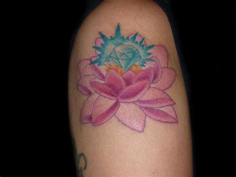 tatuaggi con fiore di loto tatuaggi fiori foto bellezza pourfemme