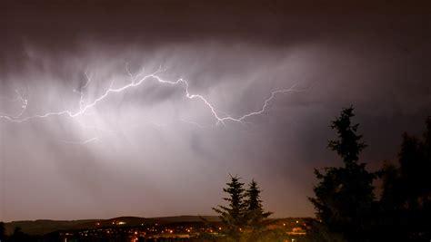 Cloud L l 234 er lightning cloud to cloud aka jpg