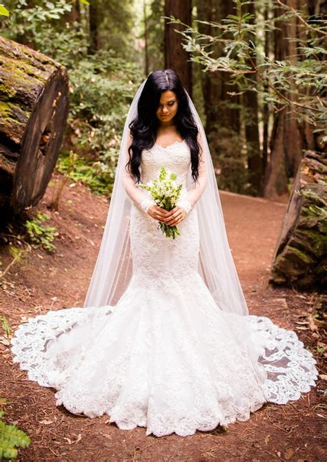 Be Timeless In These Beautiful Wedding Dresses   PreOwned