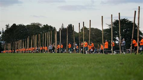 tossing simultaneously world record set in inverness watch video here new caber tossing world record set in inverness bbc news