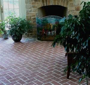 outdoor brick flooring tile that looks like brick floor