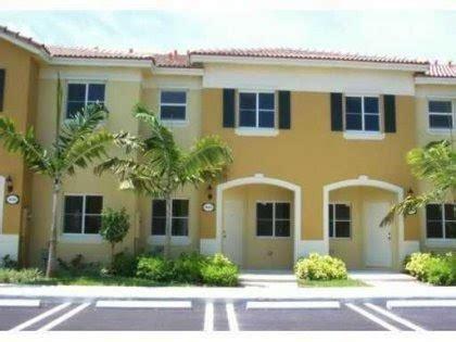 blog para la compra venta y renta de casas en miami townhouse en homestead 3 habitaciones 2 5 ba 241 os blog