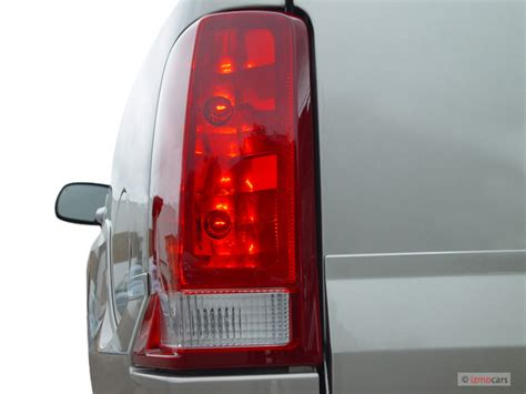 cadillac escalade tail lights 2006 cadillac escalade pictures photos gallery