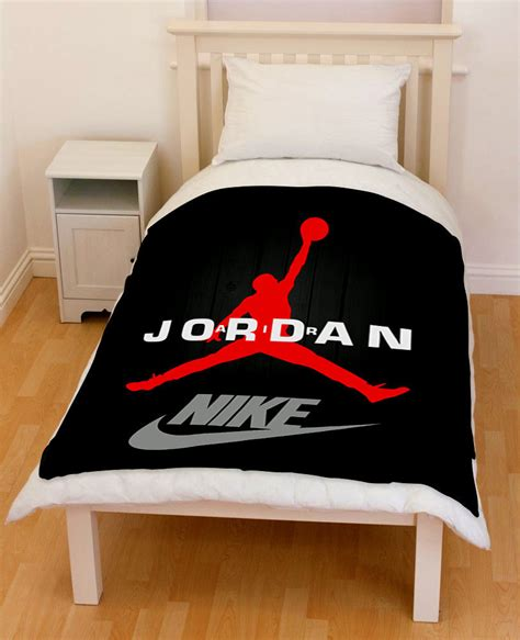 michael jordan bedroom set michael jordan chicago bulls basketball swoosh fleece