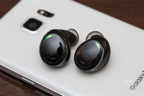 Earphone Samsung Wireless Samsung Galaxy S8 To Come With Wireless Ear Plus Device