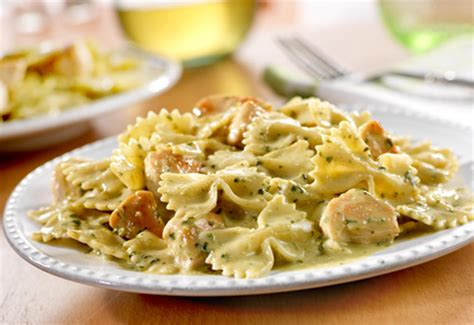bow tie pasta with chicken and pesto images