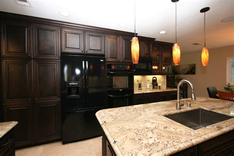 dark cherry kitchen cabinets 1000 images about cherry cabinets on pinterest