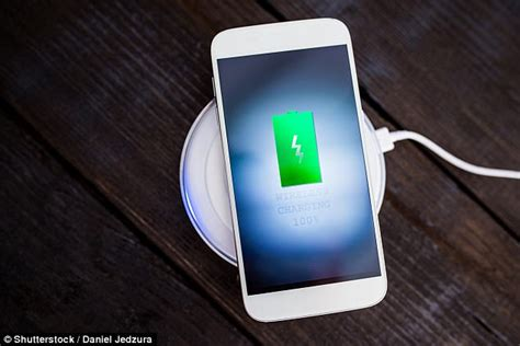 apple to charge for wireless charging on iphone 8 daily mail