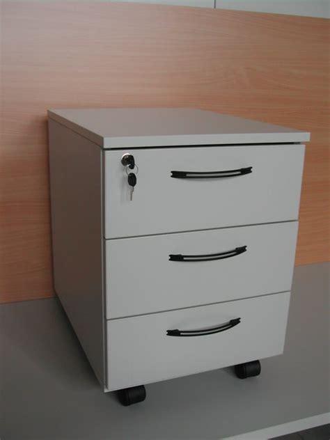 cassettiere per ufficio cassettiera per ufficio di colore giallo