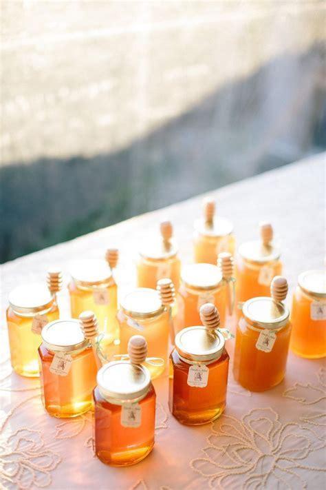 Best 25  Honey favors ideas on Pinterest   Wedding favours