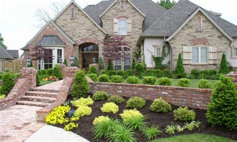 steep front yard landscaping ideas best 25 sloped front yard ideas on sloped