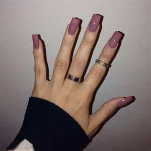 solid color acrylic nails 25 best ideas about solid color nails on