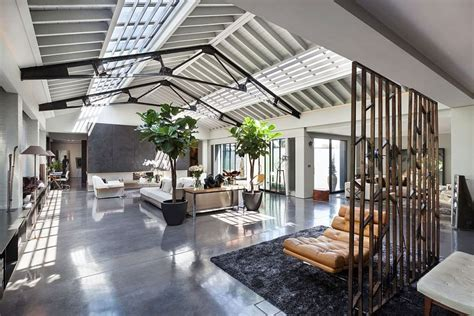 Warehouse Appartments by Warehouse In Turned Into Posh Penthouse