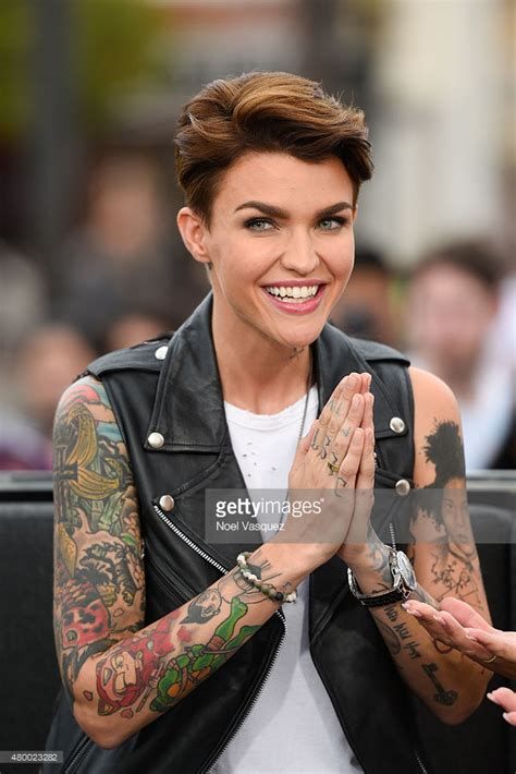 "Ruby Rose, Mark McGrath, and Cody Simpson On ""Extra"
