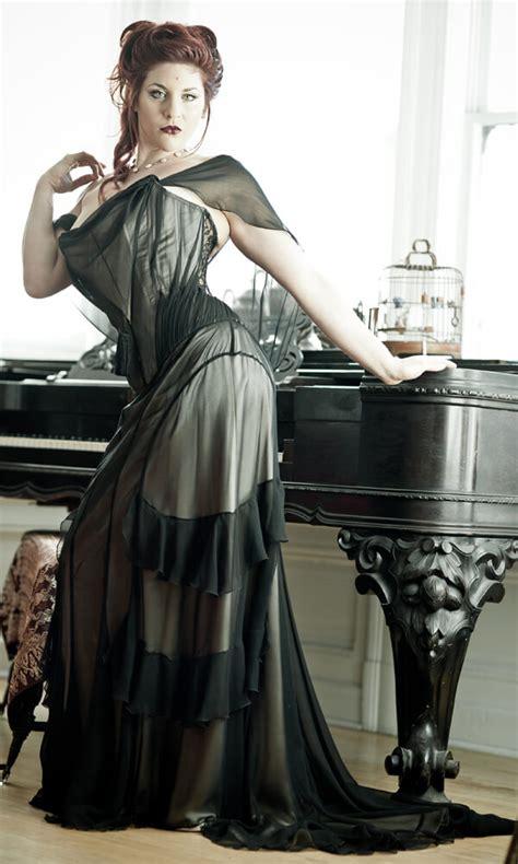 Lovely Dark Garden Corsetry #4: Dark-Garden-corset-gown-Dwoira-Galilea-photo-Joel-Aron.jpg