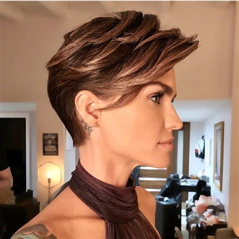 Best Hair Styles For Hair For by 10 Edgy Pixie Haircuts For 2018 Best Hairstyles