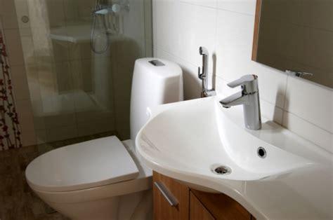 bidet z prysznicem czy warto montować bidet w łazience umywalki miski wc