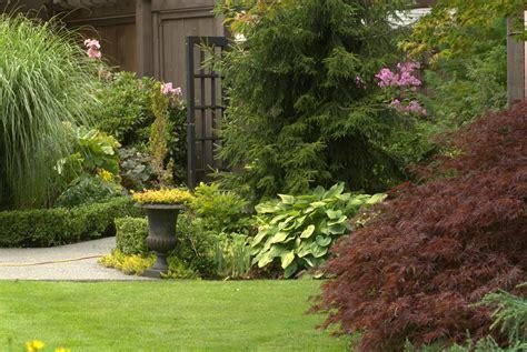 picture of a garden garden in august in a garden