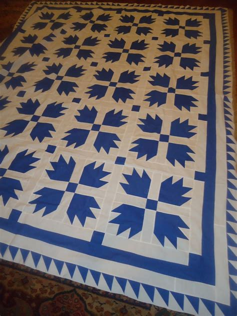 claw quilt blue white quilts