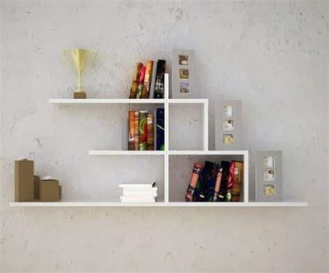 tips menambahkan rak buku gantung untuk rumah minimalis