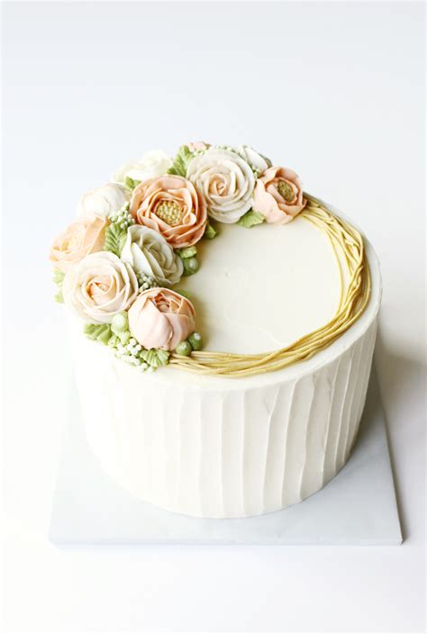 buttercream piping 101 decorating tips designs cake trends blooming buttercream