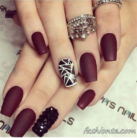 Maroon And White Nail Designs