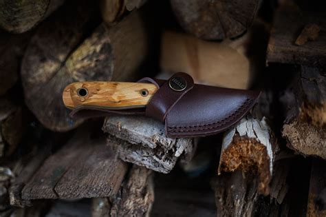 helle les stroud helle mandra les stroud small bushcraft knife review