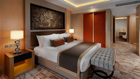 hotel with in the room corner suite amari watergate bangkok