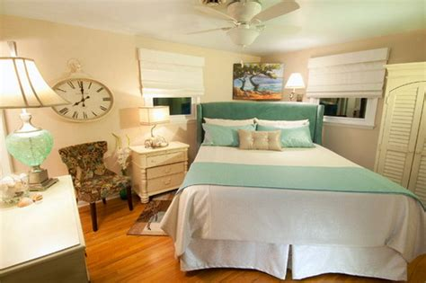 relaxing master bedroom ideas the best tips for decorating a small master bedroom ideas