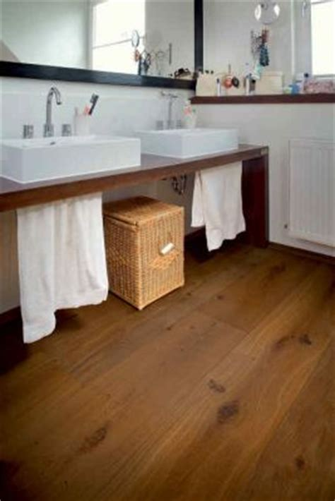 was ist ein bd im badezimmer ein sch 246 ner parkettboden ist auch im badezimmer m 246 glich