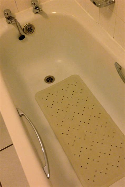 anti slip bath stickers vs anti slip bath mats