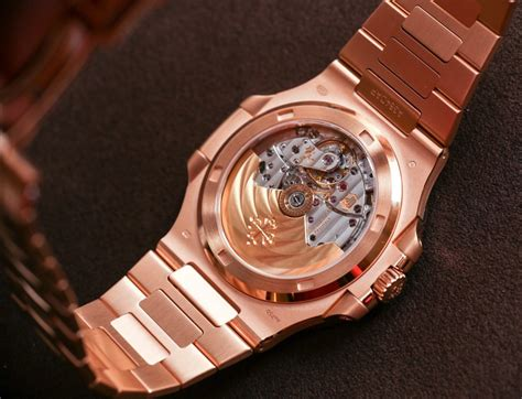 Jam Patek Phillipe Nautilus Rosegold Bracelet Clone patek philippe nautilus 5711 1r in all gold on ablogtowatch