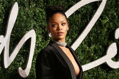 Bns Rihanna rihanna paskelbä 2016 m turo tvarkaraå tä â vienas