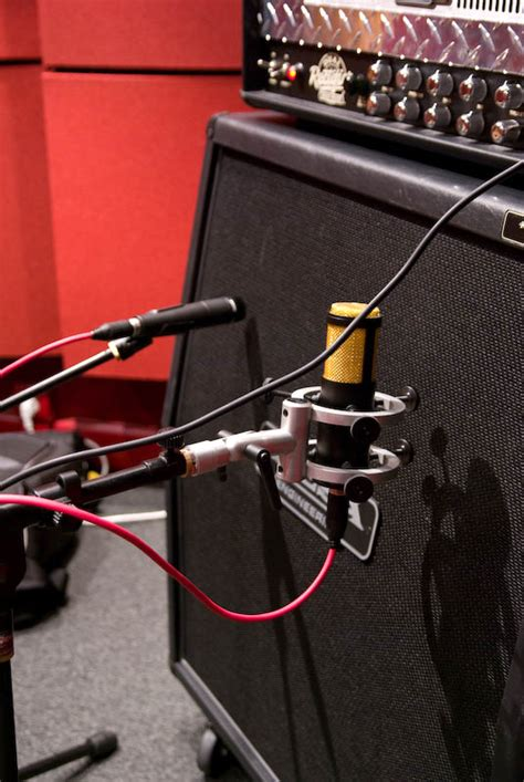 Home Recording Studio Design Tips by Recording Electric Guitar Tips