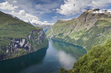fjord definition geography file geirangerfjorden as seen from 216 rnesvingen m 248 re og