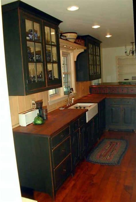Primitive Painted Kitchen Cabinets 25 Best Ideas About Primitive Kitchen Cabinets On Pinterest Country Kitchen Cabinets Country