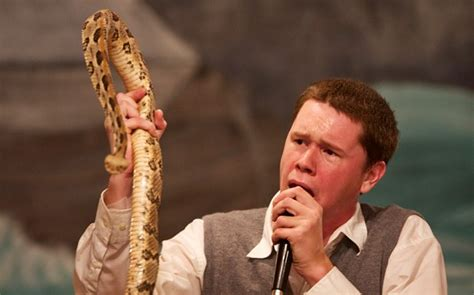 Lovely Snake Handling Church #2: Snake_worship_pas_2744467b.jpg