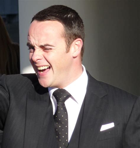 declan donnelly hair transplant file anthony mcpartlin 2009 jpg wikimedia commons