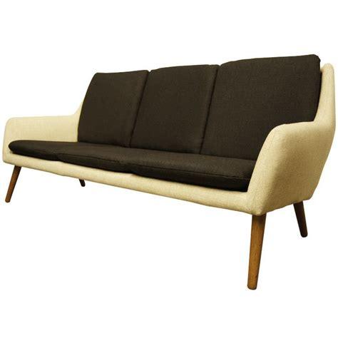 afa sofa 1000 ideas about sofa on mid century