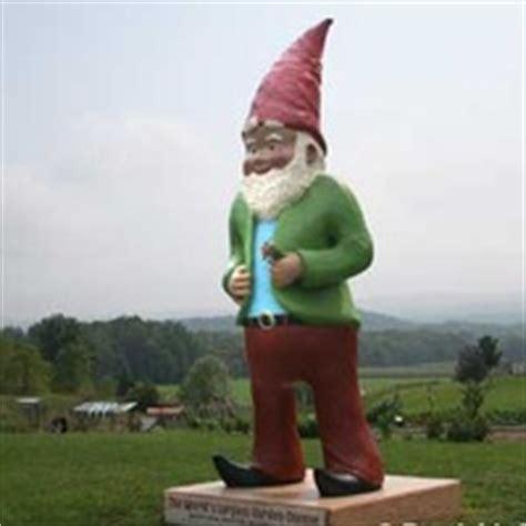 kerhonkson, ny gnome chomsky: world's third largest