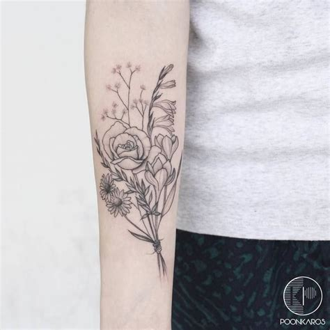 flower bouquet tattoo designs flower bouquet by poonkaros flowertattoodesigns