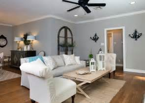 Fixer Living Room Paint Colors Photos Hgtv S Fixer With Chip And Joanna Gaines Hgtv