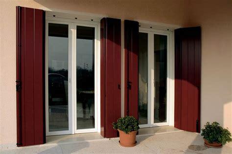 finestre e persiane produzione scuri balconi e persiane in pvc e alluminio