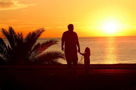 padre padre e hija culean en ausencia de su madre girls smile it s contaigous papito te extra 241 o